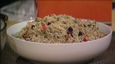 CLEVELAND, Ohio — Looking for a pasta salad that is so light and flavorful you won't be able to stop eating it? Piada Italian Street Food restaurant shared their recipe for Orzo Crunch …