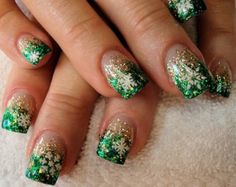 As symbols of the winter season, snowflake nail art are wonderful now and can instantly make a regular manicure look like a work of art. Take a look at these Cool Snowflake Nail Art Designs for inspiration. Cute Nail Art Designs, Christmas Nail Art Designs, Holiday Nail Art, Winter Nail Art, Acrylic Nail Designs, Winter Nails, Acrylic Nails, Christmas Design, Fingernail Designs