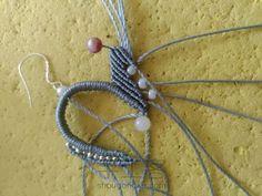 叶の魅(不知原作者起的啥名) 第15步 Macrame Earrings, Macrame Jewelry, Necklace Tutorial, Diy Necklace, Macrame Tutorial, Art For Kids, Jewelry Making, Knitting, Crochet