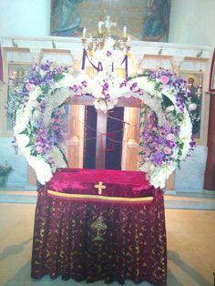 Holi, Jesus Christ, Table Decorations, Cover, Flowers, Home Decor, Sacred Heart, Modern Floral Arrangements, Altars