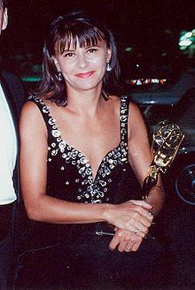 Tracey Ullman at 1990 Emmy Awards Birth name Trace Ullman Born 30 December 1959 (age Slough, Buckinghamshire, England, United Kingdom Female Actresses, Actors & Actresses, The Tracey Ullman Show, People With Bipolar Disorder, British Comedy, Teen Choice Awards, Ringo Starr, People Of The World, The Simpsons