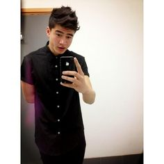 5SOS ❤ liked on Polyvore featuring 5sos, calum hood, 5 seconds of summer, calum, people y filler