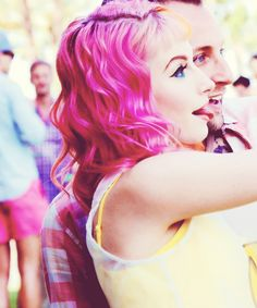 Hayley Williams -- rocking that pink hair yes