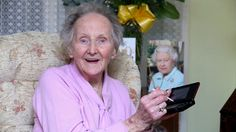 Bless her heart, at 100 she's Britain's oldest gamer. Nice PR for Nintendo too! Nintendo 3ds, Playstation, Old Faces, Ipad, Beautiful Stories, Stunts, Fun Facts, The 100, Mindfulness