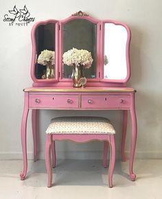 RESERVED FOR JENNIFER Vintage Vanity pink & gold 1918 with
