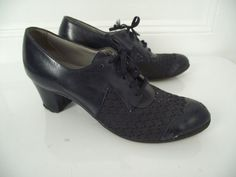 Memories of my grandma!!!    1940s Shoes / 40s Oxford Heels / Size 7 1/2 by FemaleHysteria, $65.00