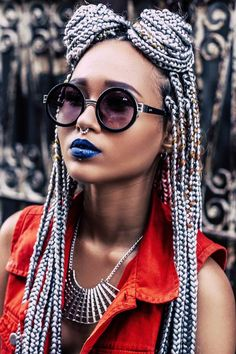 Silver Grey colored box braids are super stylish and can bring life to African American women's look. These 10 hairstyles inspired by silver grey color are definitely worthy of a try if you love box braids. Box Braids Hairstyles, Cool Hairstyles, Hairstyles 2016, Hairstyle Braid, Afro Braids, African Braids, Twist Braids, Twists, Afro Punk