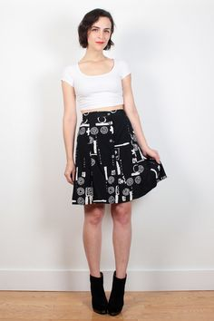 Vintage Adorable Handmade Floral Skirt  With Daisy Print and Lace Detail XS