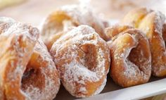 Cimetkrofni Hungarian Recipes, Doughnut, Bread, Food, Brot, Essen, Baking, Meals, Breads