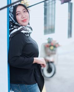 I am grateful for being me💙 . Hijab Chic, I Am Grateful, Beautiful Hijab, Picsart, Boobs, Photoshoot, Mom, Pictures, Photography