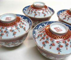 imari ware / ca.1800 hand-painted cherry blossoms design