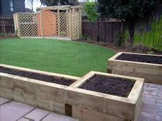 Patio garden ideas raised beds sleepers in garden raised garden beds raised beds garden ideas uk Backyard Garden Landscape, Rooftop Garden, Garden Landscaping, Raised Flower Beds, Raised Garden Beds, Raised Beds, Garden Ideas Uk, Garden Projects, Railway Sleepers Garden