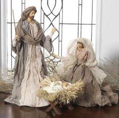 NEW-Raz-17-5-034-Holy-Family-Christmas-Fabric-Nativity-Figures-Decoration-3140230