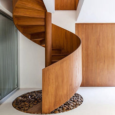 Modern Staircase Design Ideas - Modern stairs can be found in lots of styles and designs that can be actual eye-catcher in the different area. We have actually compiled finest 10 modern versions of staircases that can give. Wooden Staircase Design, Spiral Stairs Design, Concrete Staircase, Wooden Staircases, Stairways, Basement Stairs, House Stairs, Open Basement, Basement Ideas