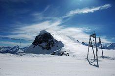 Zona de schi de pe platoul Breithorn, la aproape 4000 de metri deasupra Zermatt.