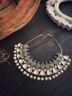 Antique Jewellery Designs, Fancy Jewellery, Beaded Jewelry Designs, Stylish Jewelry, Necklace Designs, Fashion Jewelry, Jewelry Patterns, Indian Jewelry Earrings, Bijoux