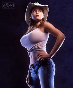 Tight Shirt Big Boobs : Photo
