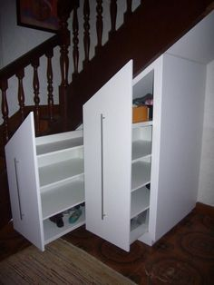 Partly used staircase. No handles though - Aufbewahrung Stairs Storage Drawers, Shoe Storage Under Stairs, Stairway Storage, Stair Shelves, Small Space Interior Design, Interior Design Living Room, Small Entryways, Wooden Staircases, Space Interiors