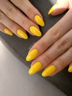 Bright Yellow Gelpolish Summer Nails - Halo from Madam Glam