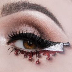 The open eye version of the look I did a few days ago. Check out the original post for the makeup details.  #halloweenmakeup #cutcrease #bloodymakeup #vladamua