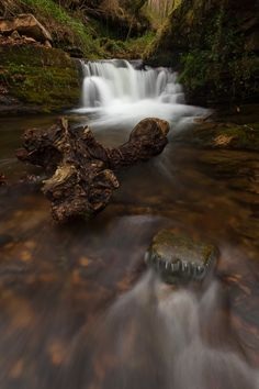 Río pasiego  #Cantabria #Spain Amazing Photography, Art Photography, Costa, Gods Creation, Waterfall, Spain, Outdoor, Tourism, Outdoors