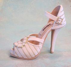 Fondant/gum+paste+shoe+cake+topper+-+Fondant/gum+paste+shoe+cake+topper