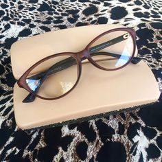 This signature set is all the sophistication and style you need in one reader and case. Grab your laced case in mushroom now! (link in bio) Online Glasses Store, Reading Glasses, Mushroom, Sunglasses Case, Link, Style, Fashion, Swag, Moda