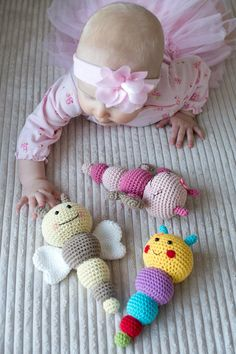 These colorful and smiley bug rattles will make any baby happy! They`re easy to make and bring a lot of joy. Pattern includes 3 bugs - sweet butterfly, friendly bee and nosy caterpillar. Bug rattles make a cute gift for the newborn. You can also hang them Crochet Baby Toys, Crochet Bunny, Crochet Gifts, Cute Crochet, Crochet Baby Mobiles, Crochet Patterns Amigurumi, Amigurumi Doll, Crochet Supplies, Baby Rattle