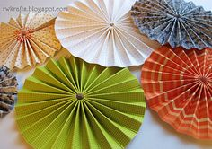 These look super easy to make but the thicker the paper the more time consuming! Love the way the look on a wall and could take up a large space, using multiple sizes. RWKrafts: How To Tuesday - Make Easy Paper Rosettes How To Make Rosettes, How To Make Paper Flowers, Diy Paper, Paper Crafts, Diy Crafts, Festive Crafts, Folded Paper Flowers, Paper Medallions, Origami