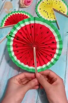 Amazing And Fun Origami Ideas – DIY Tutorials Videos - Basteln Paper Crafts Origami, Paper Crafts For Kids, Preschool Crafts, Diy Paper, Paper Crafting, Craft Activities, Diy Crafts Hacks, Diy Crafts For Gifts, Creative Crafts