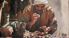 Jésus a dit que le royaume des cieux est semblable à un trésor caché dans un champ ou à une perle de grand prix. Il...