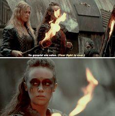 [gifset] #2x09 #RememberMe #ClarkeGriffin #Lexa