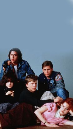 the breakfast club; wallpaper the breakfast club; 90s Movies, Iconic Movies, Classic Movies, Good Movies, Movie Tv, Movie Club, Aesthetic Movies, Retro Aesthetic, Aesthetic Pictures