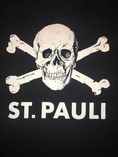St.Pauli Skull Crossbones T Shirt XL Jolly Roger Ultras Football Anti-Fascist  #FCStPauli #GraphicTee