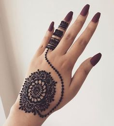 What is a Henna Tattoo? Henna tattoos are becoming very popular, but what precisely are they? Henna Hand Designs, Dulhan Mehndi Designs, Arte Mehndi, Mehndi Designs Finger, Mehndi Designs For Girls, Stylish Mehndi Designs, Mehndi Designs For Beginners, Mehndi Design Photos, Mehndi Designs For Fingers