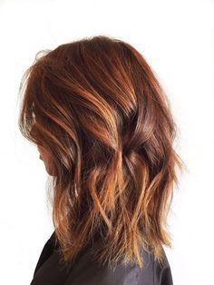 couleur balayage auburn-coupe-mi-long-femme