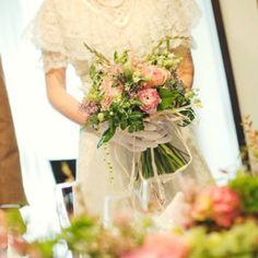 おしゃれ花嫁が真似したい草花クラッチブーケ
