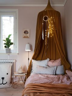 Boho bedroom with linen canopy. Source by donnettad kids bedroom Decor Room, Bedroom Decor, Home Decor, Modern Bedroom, Lego Bedroom, Minecraft Bedroom, Playroom Decor, Nursery Decor, Girls Bedroom