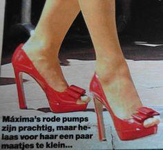 Maxima heeft prachtige schoenen gekocht in maat 42, maar helaas een beetje te klein.