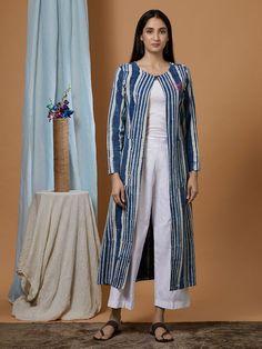 Buy Indigo Dabu Printed Cotton Denim Kurta online at Theloom Silk Kurti Designs, Simple Kurta Designs, Salwar Designs, Kurta Designs Women, Blouse Designs, Frock Patterns, Kurti Patterns, Detachable Sleeves Wedding Dress, Dress Shirts For Women