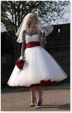 Outlet wedding dresses las vegas wedding dresses asian for Wedding dress stores las vegas