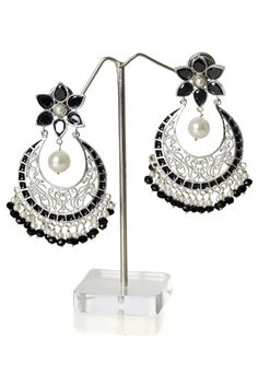 Chand bali in silver with black stone and pearl