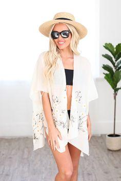 White Spring Daisy Woven Kimono Kimono Floral, Kimono Top, White Springs, Tie Dye Maxi, Clothing Size Chart, Beach Dresses, Daisy, Dress Collection, Beachwear
