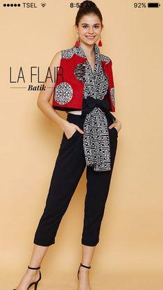 Batik Fashion, Ethnic Fashion, Asian Fashion, Blouse Batik, Batik Dress, Batik Kebaya, Chic Summer Style, Batik Pattern, Moda Vintage