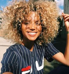 30 Popular Hairstyles for Black Women - Hairstyles & Haircuts for Men & Women Blonder Afro, Curly Hair Styles, Natural Hair Styles, Blonde Curly Hair Natural, Colored Curly Hair, Natural Beauty, Blonde Curls, Pelo Natural, My Hairstyle