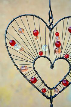 Dreamcatcher. / Zboží prodejce RoníkoVo | Fler.cz Wire Crafts, Metal Crafts, Recycled Crafts, Barbed Wire Art, Copper Wire Art, Wire Wrapped Jewelry, Wire Jewelry, Wire Ornaments, Diy Wind Chimes