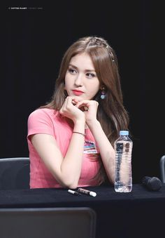 Find images and videos about ioi and somi on We Heart It - the app to get lost in what you love. Kpop Girl Groups, Korean Girl Groups, Kpop Girls, Beautiful Asian Girls, Simply Beautiful, Jung Chaeyeon, Jeon Somi, Cute Korean, Korean Celebrities