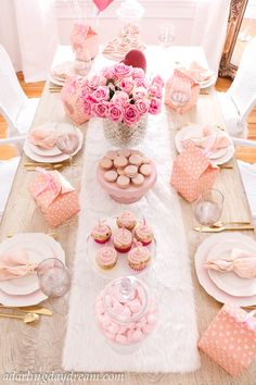 Valentines Day Brunch for your Galentines! - A Darling Daydream, Perfect Valenti. - Valentines Day Brunch for your Galentines! – A Darling Daydream, Perfect Valentine's Day party - Valentine Day Cupcakes, Valentines Day Party, Valentines Day Decorations, Valentine Gifts, Pink Parties, Birthday Parties, Valentine's Day Quotes, My Funny Valentine, Vintage Valentines