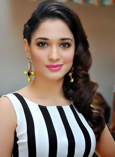 tammu-sexy-images-tamanna-white-black-dress-romantic-images.jpg (400×546)