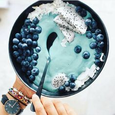 "2,862 Likes, 25 Comments - Smoothies & more (@detox_recipes) on Instagram: ""Blue heaven bowl . Credit: @healthsynergy"""